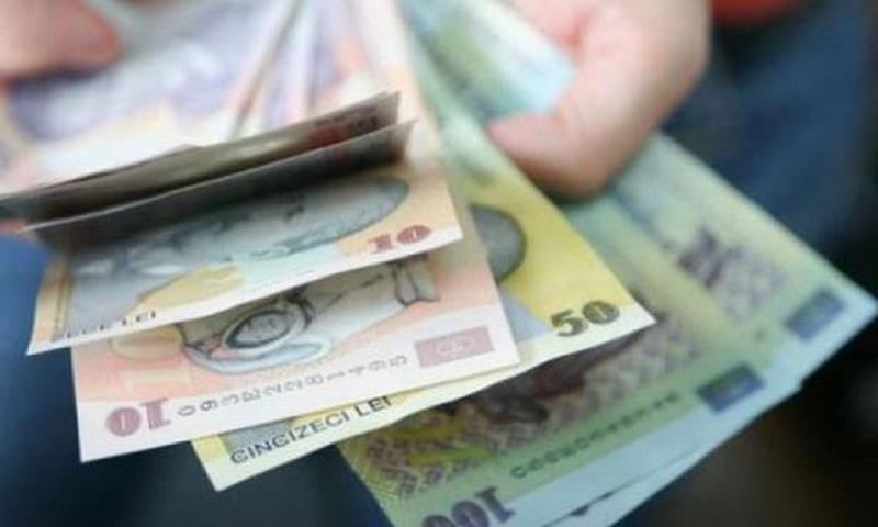 Raluca Turcan: 35.000 de angajaţi din sistemul public au și pensie și salariu