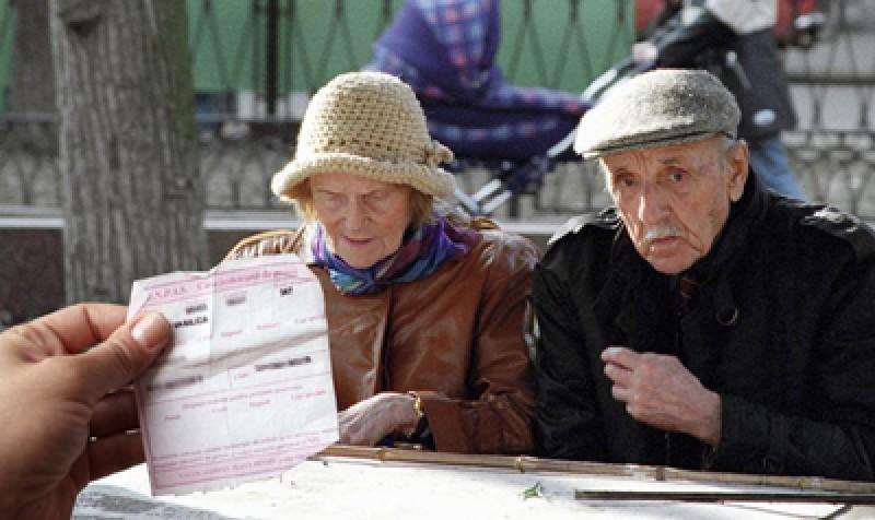 """Raluca Turcan: """"Este o manipulare egalizarea forțată a vârstei de pensionare. Aceasta se va face prin măsuri stimulative"""""""