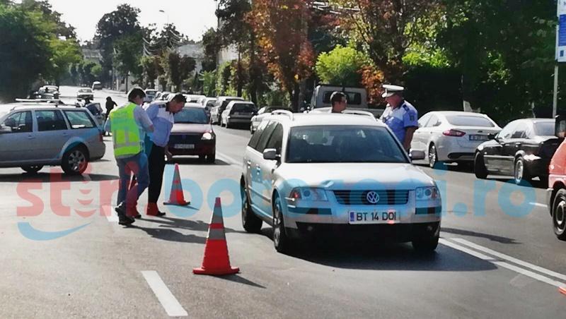 Rănită grav după ce a fost lovită de o mașină în timp ce traversa strada! FOTO