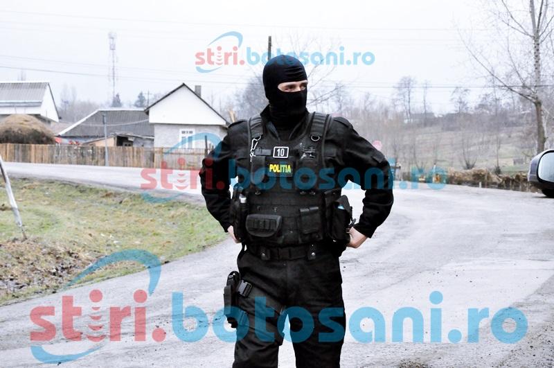 Razii cu mascații în județul Botoșani! Percheziții și la locuințele a doi tineri bănuiți că au omorât și schingiuit animale!