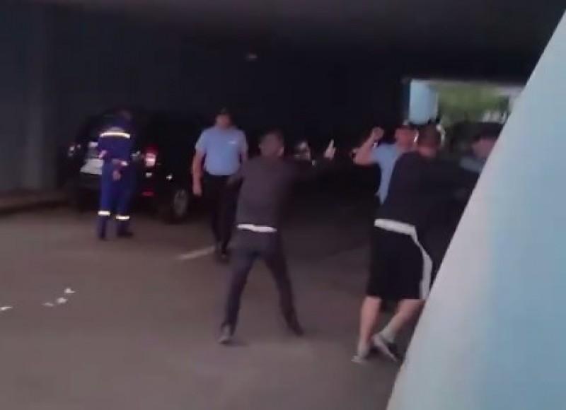 Reacția OFICIALĂ a Jandarmeriei Botoșani, după bătaia însângerată de la Sala Polivalentă!