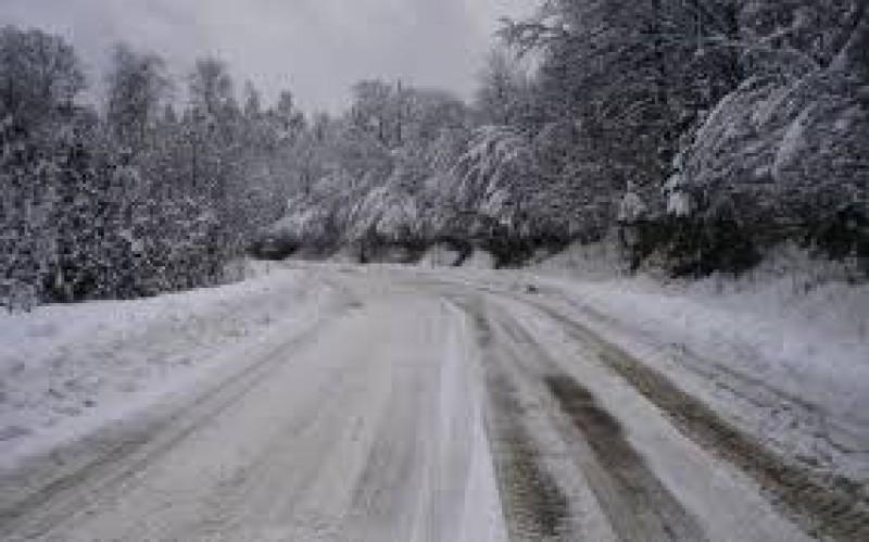 Recomandări ale poliţiştilor pentru circulaţia pe timp de iarnă