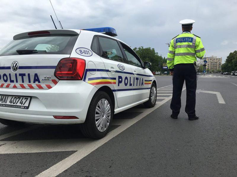 Recomandări ale polițiștilor pentru conducătorii auto, privind circulaţia în condiţii meteo nefavorabile