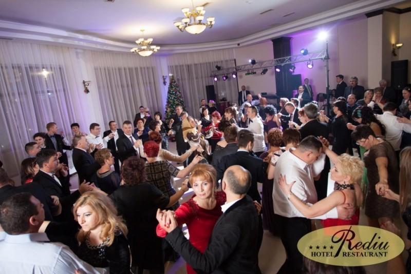 Rediu Hotel & Restaurant a pregătit super petreceri de Craciun!