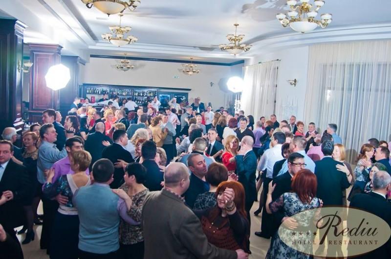 Rediu Hotel & Restaurant va invita sa va petreceti zilele aniversare cu spectacole gratuite de zile mari!