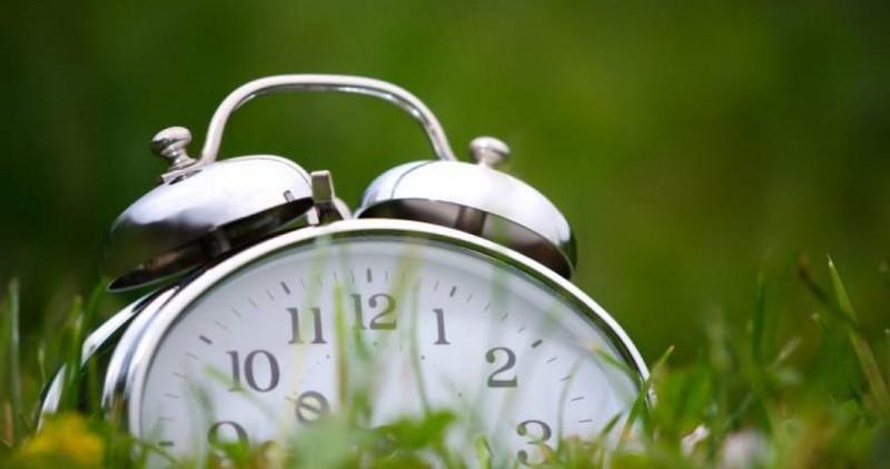 Răzvan Simion, cel mai tare banc despre schimbarea orei ...  |Schimbarea Orei
