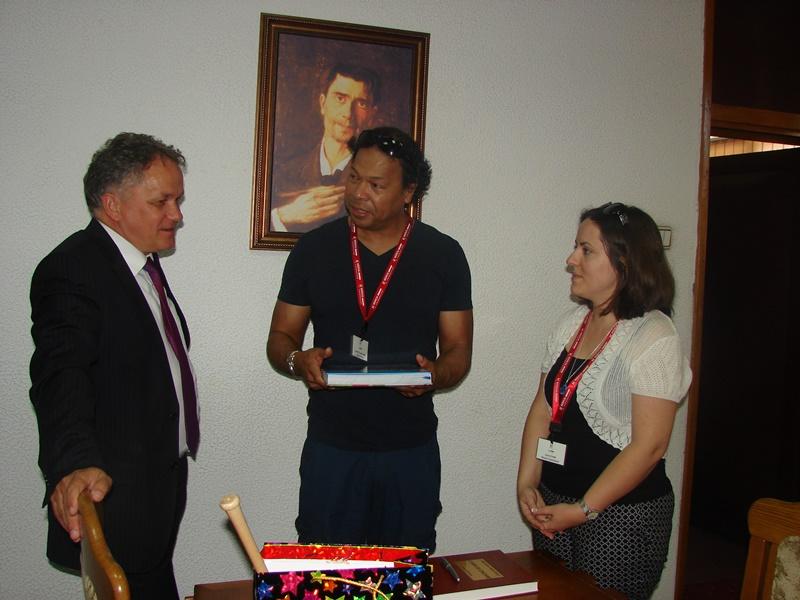 Reprezentanţii Misiunii Medicale americane, în vizită la prefect-FOTO