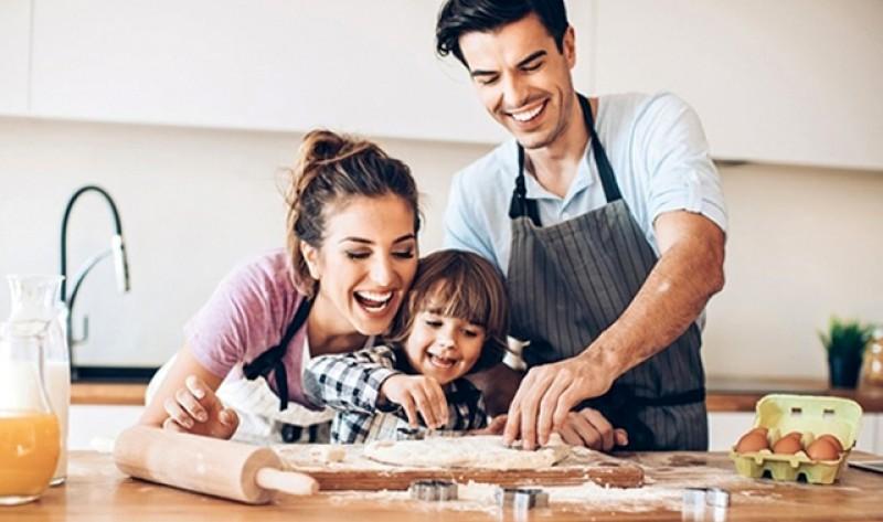 Rețeta simplă pe care o poți face împreună cu copiii la bucătărie: Ouă de ciocolată de Paște - Video