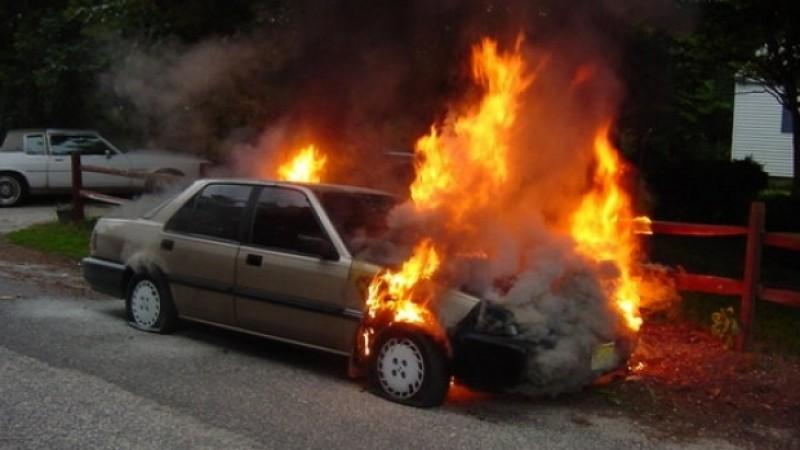 Reținut de polițiști, după ce a incendiat o mașină în Dorohoi!