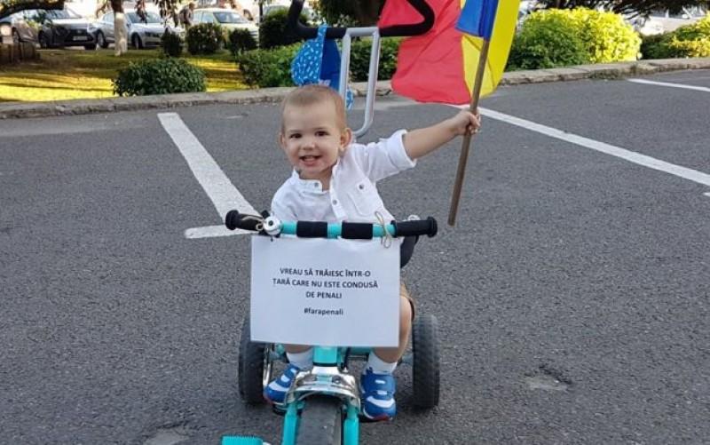 """Reuşită pentru USR. Peste 750.000 de români nu vor """"penali în funcţii publice"""". Iniţiativa a adunat numărul minim de semnături pentru ajunge la Parlament"""