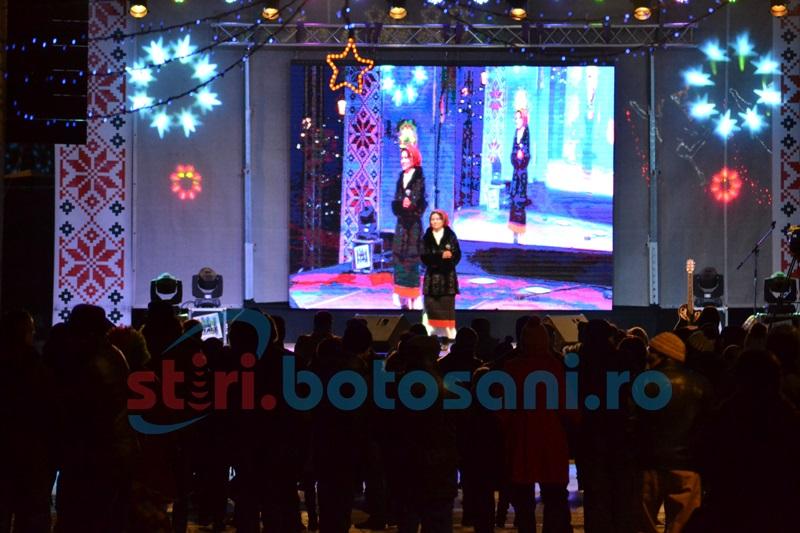 REVELION 2017: Spectacolul de Revelion din centrul municipiului a demarat în forţă- FOTO