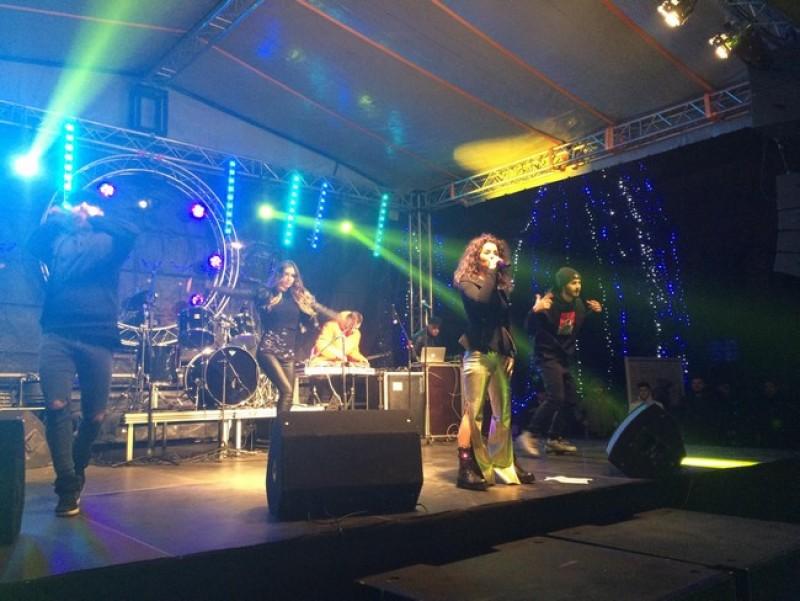 Revelion în întuneric la Botoşani! Pană de curent de 20 de minute pe scena din Piaţa Revoluţiei - FOTO
