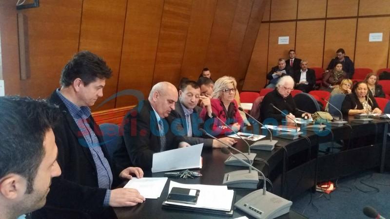 """Revoltă în rândul primarilor botoșăneni privind accesarea fondurilor europene: """"Ne povestiți Capra cu trei iezi"""""""