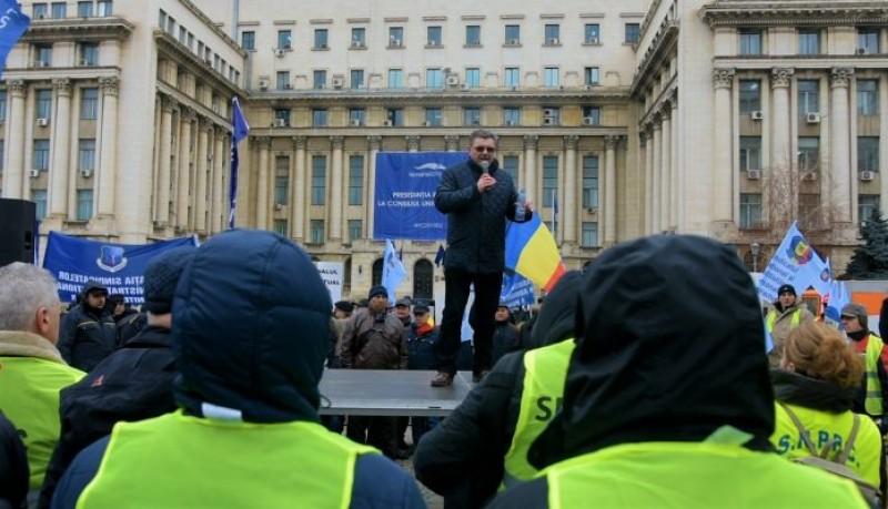 """Revoltă în stradă: """"Când un infractor ca Vâlcov face bugetul, normal că nu dă niciun ban pentru noi"""""""