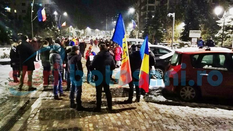 REZIST, la Botoșani: Ce vor botoșănenii care au ieșit în stradă! FOTO