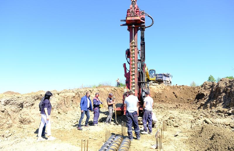 Ritm susținut la executarea lucrărilor la alunecarea de teren de pe DJ 296, Roma - Nicșeni
