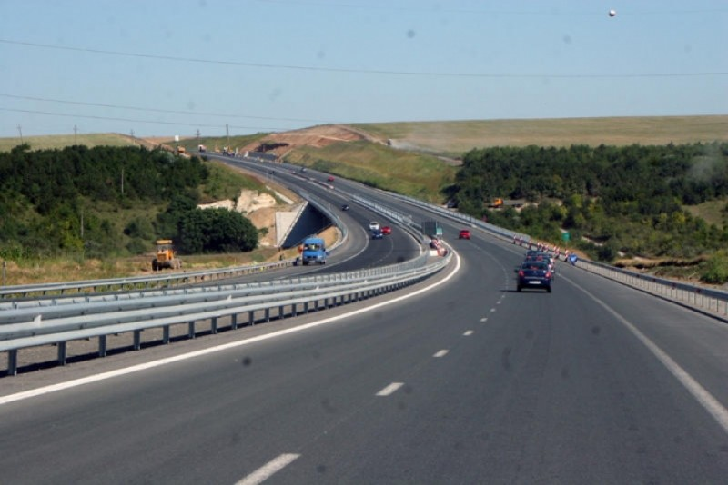 """Român păcălit pe autostradă, în drum spre România. Avertisment pentru toți soferii: """"Sunt mână-n mână"""""""