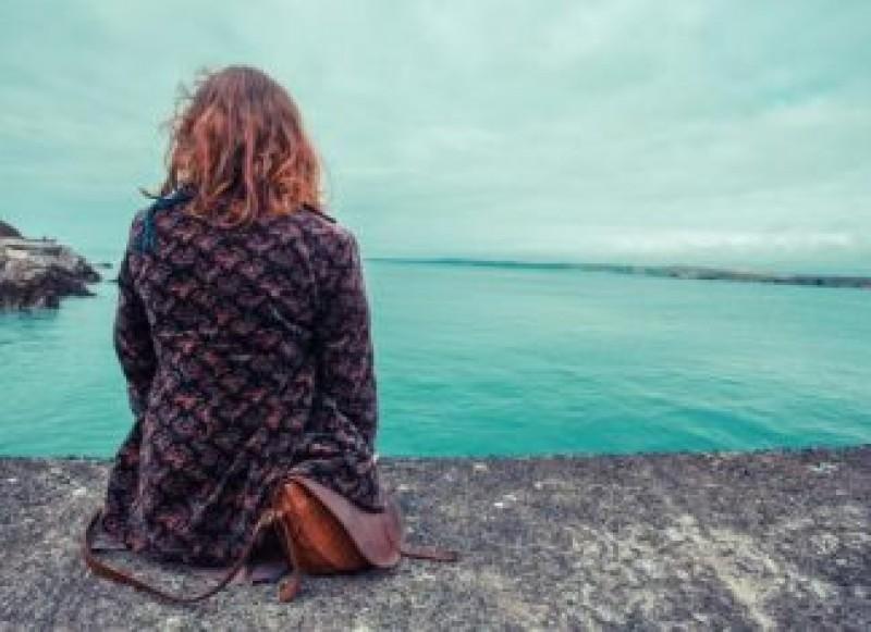 Româncă de 24 de ani, salvată din apele mării de doi pescari. Fata voia să se sinucidă