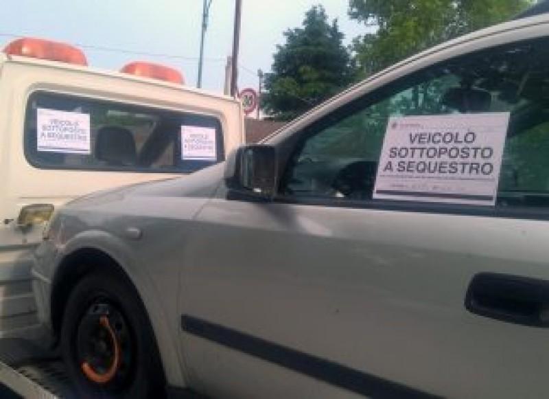 """Româncă din Italia: """"Mi-au pus amendă și mi-au sechestrat pe loc mașina"""". Noile prevederi ale Codului rutier, contestate de românii din peninsulă"""