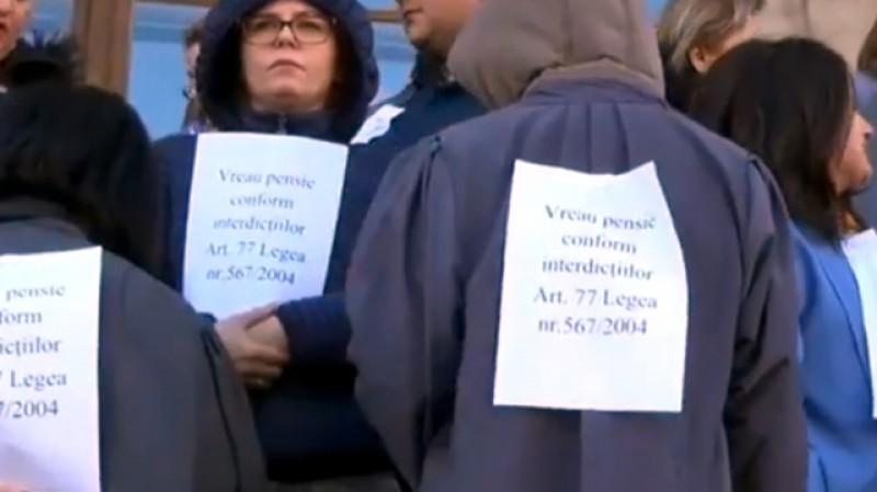 România fierbe! Magistrații solidari cu grefierii din cauza Pensiilor Speciale. Haos total în Justiție