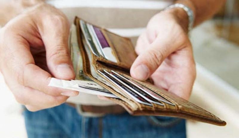 România nevăzută: Unul din trei români se împrumută lunar pentru plata facturilor și a creditelor