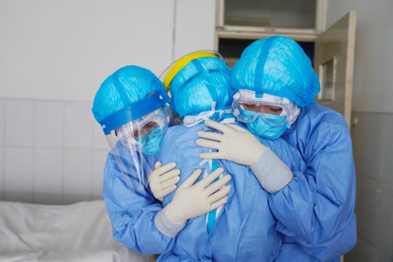 România numără a șaptea victimă a corovirusului. Bilanț dublat față de ziua precedentă