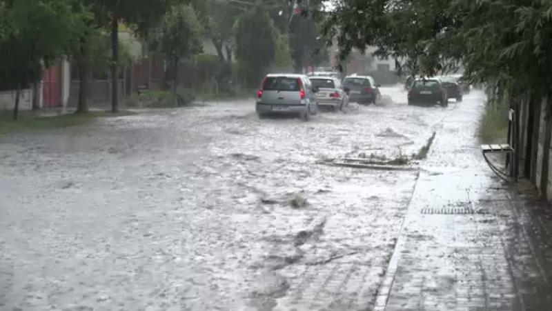 """Românii care plătesc taxă pentru apa de ploaie: """"E de la Dumnezeu"""""""