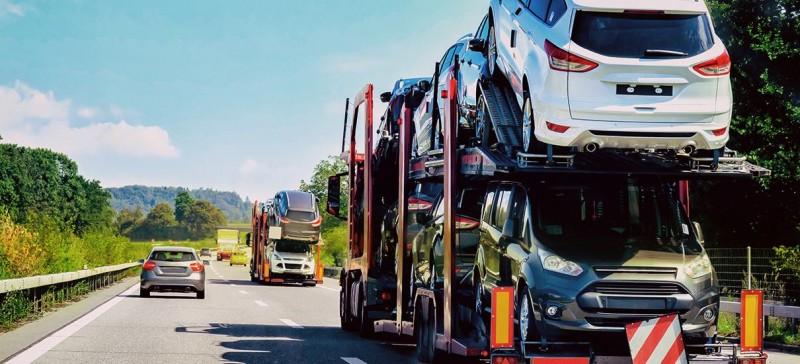 Românii cumpără mai puține mașini la mâna a doua