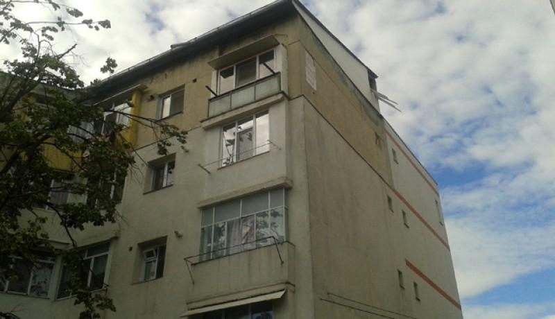 Românii stau în locuinţe mici, înghesuite și supraaglomerate