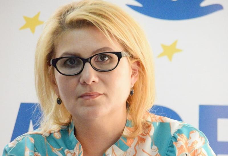 Roxana-Florentina Ţurcanu – Preşedinte ALDE Botoşani: Un nou episod din România absurdă - birocrația ne trimite copiii la secțiile de terapie intensivă