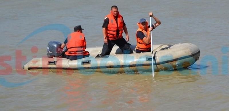 S-a cerut ajutorul pompierilor din Iași și din Suceava pentru găsirea presupusului înecat din Ripiceni. Ar fi vorba despre un băiat de 15 ani