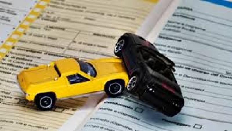 S-a decis: Asigurătorii RCA vor fi obligați să ofere consultanță șoferilor în urma accidentelor auto