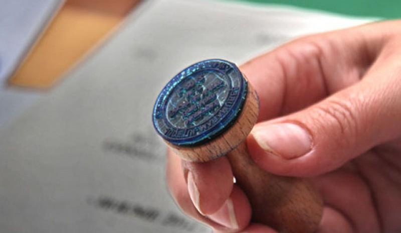 Să vezi de acum distracție! Deputații au votat proiectul de lege privind eliminarea ştampilei din administraţia publică pentru emiterea documentelor!