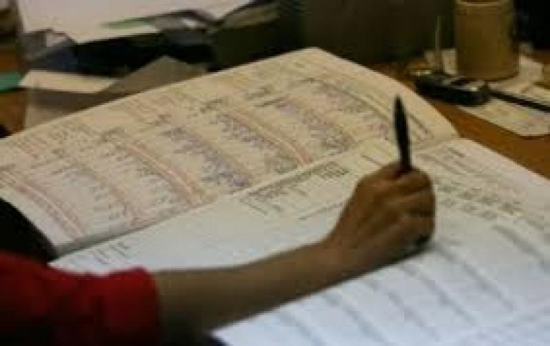 Salarii contestate de sute de profesori botoșăneni în instanță!
