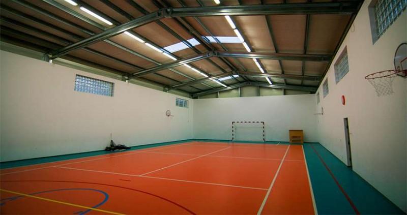 Săli de sport și cămine culturale pentru mai multe localități din județ