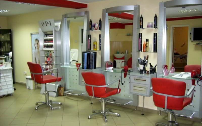 Saloanele de cosmetică din Botoșani își deschid lista programărilor