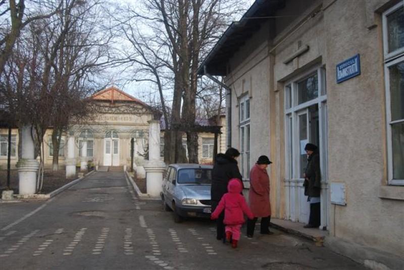 Sănătate la cota de avarie: Situație critică la secția de la Săveni a Spitalului Județean!
