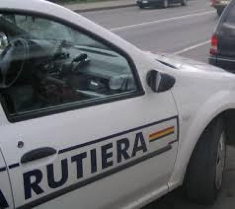 Sancţionat în deplasare! Dosar penal pentru conducere fără permis