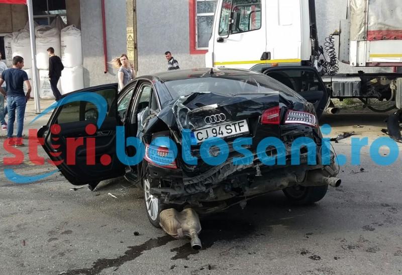 Sase persoane ranite in ajunul Pastelui, dupa un accident cu TREI masini si o caruta! Soferul vinovat era baut! FOTO