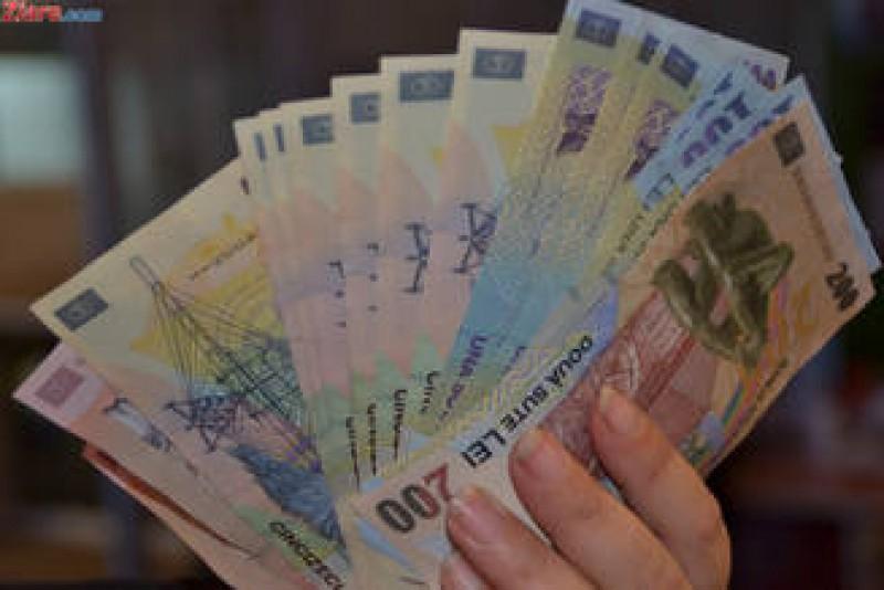 Scad salariile lui Iohannis, Dragnea, Tariceanu si Grindeanu. Se dubleaza indemnizatiile parlamentarilor. Iata cifrele