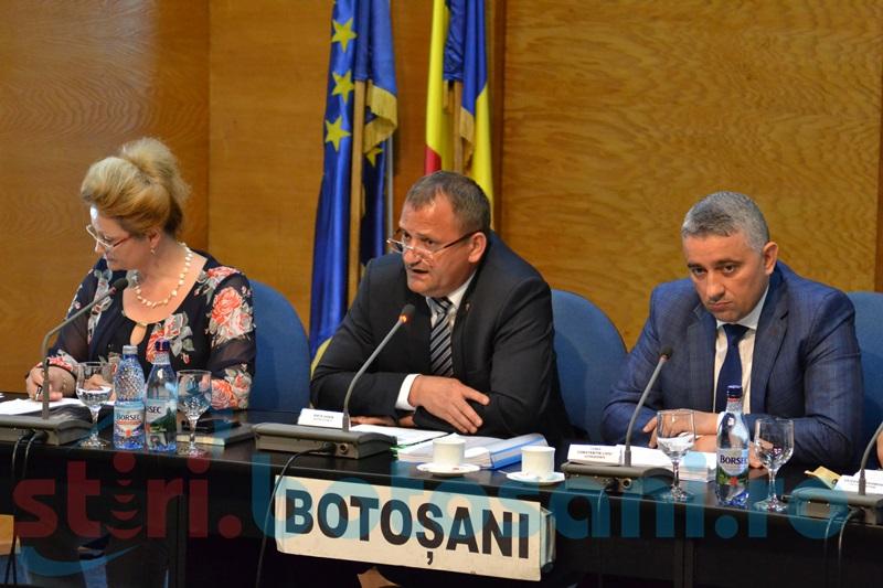 Scandal în Consiliul Judeţean, de la propunerea de aprobare a majorării preţului apei