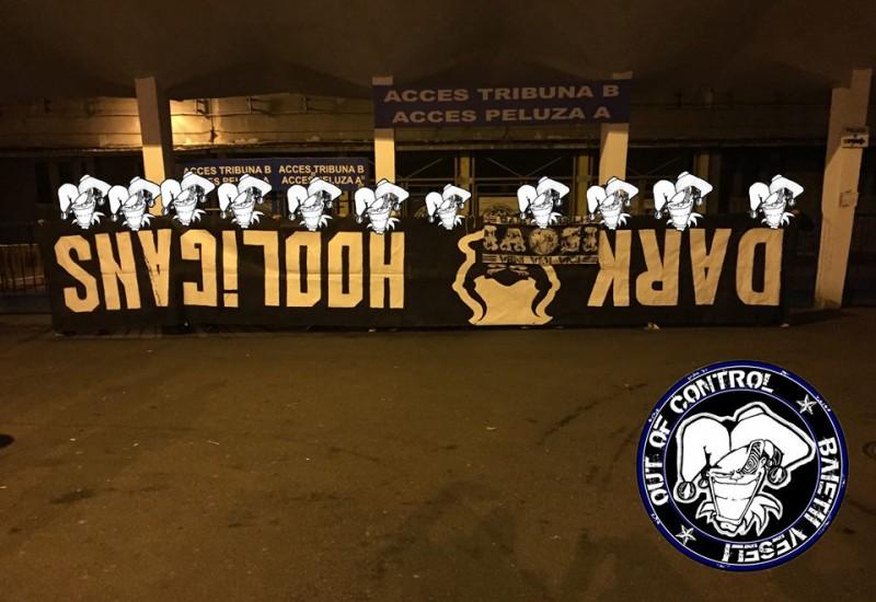 Scandal intre galerii! Ultrasii celor de la CSMS Iasi au furat bannerul celor de la Dark Hooligans! FOTO