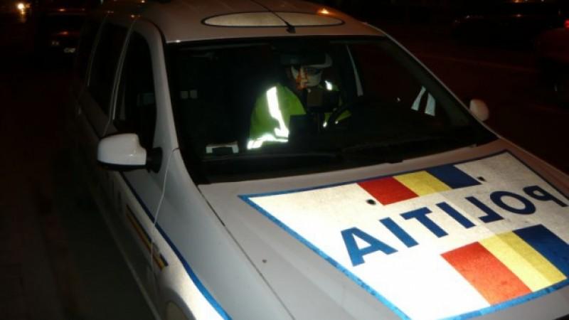 Scandal monstru făcut de un șofer stranier beat! A fost imobilizat de polițisti!