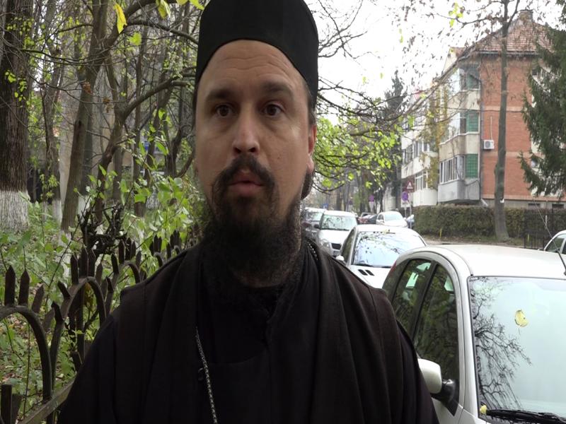 Scandalul de la Schit Orăşeni continuă. Preotul caterisit vrea să depună plângere penală pentru lovire şi sechestrare!
