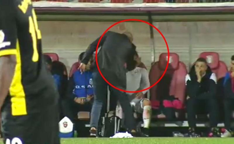 Scene incredibile la Giurgiu! Leo Grozavu l-a palmuit pe Golofca in timpul meciului!