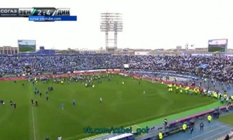 SCENE SOCANTE pe stadion! Fanii ruși au intrat pe teren și au luat la bătaie jucătorii! - VEZI VIDEO