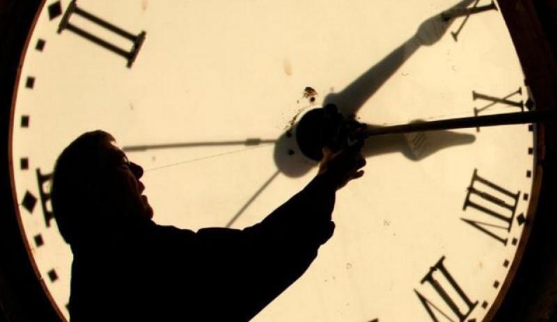Scoateți telefoanele și faceți poze! Pe 26 spre 27 octombrie ar putea fi ultima dată când românii vor da ora înapoi!