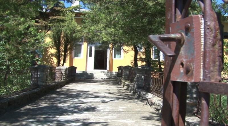 """Școlile din două sate din județul Botoșani, implicate în proiectul """"Drag de Satul meu""""."""