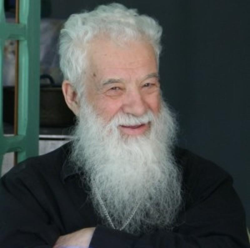 Scrisoarea Testament a Părintelui Gheorghe Calciu către Părintele Iustin Pârvu în care spune că de va fi găsit neputrezit, va fi (credea el) înşelare diavolească