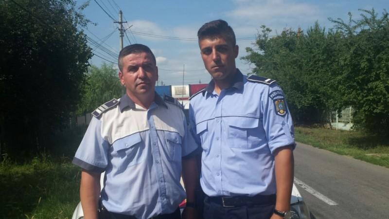 Se întâmplă în România: Polițiștii au dărâmat WC-ul și au scos din hazna un prunc. Cum a comentat Marian Godină!